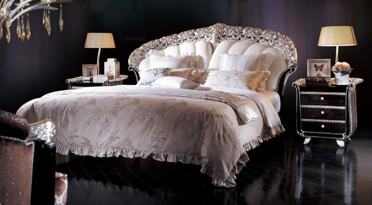 Серебряный кровать листа в ручной итальянском стиле с двумя серебряными черный стол сторону.    Пожалуйста, не стесняйтесь обращаться к нам за любой запрос или вопрос: lusso@mobilusso.com