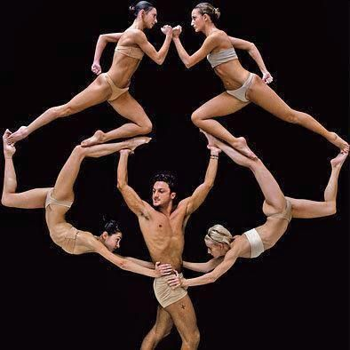 Wow! What dancers do with the human body is so amazing! Right!?