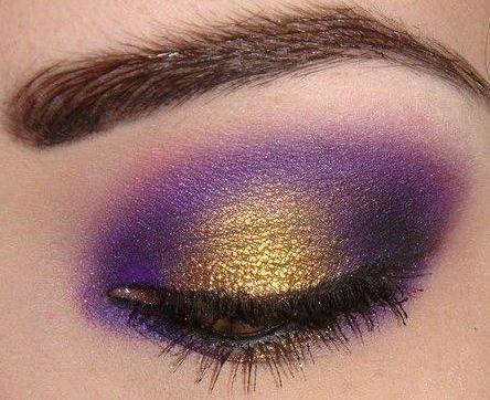 Idea trucco occhi viola e oro