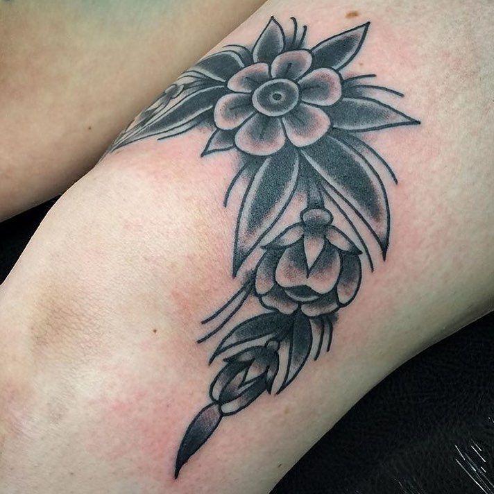 50 Inspiring Knee Tattoo Design Ideas For Women