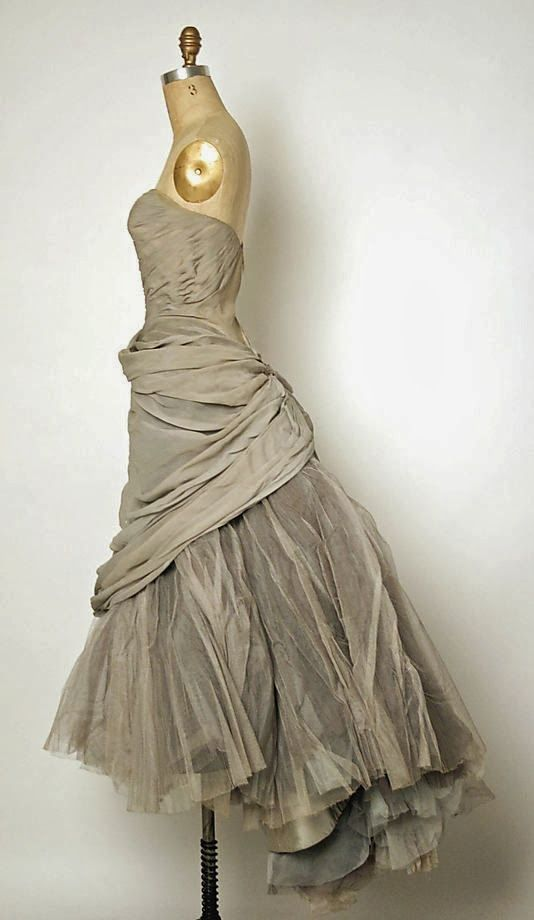 Oh, be still my beating heart.This dress is too beautiful to bear!  Castles Crowns and Cottages: Life is not like a box of chocolates.