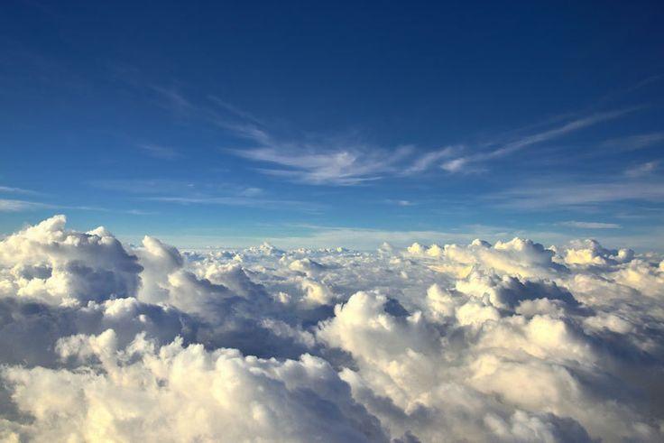 10 razones por las que SIEMPRE deberías elegir el asiento de ventanilla en el avión (FOTOS)