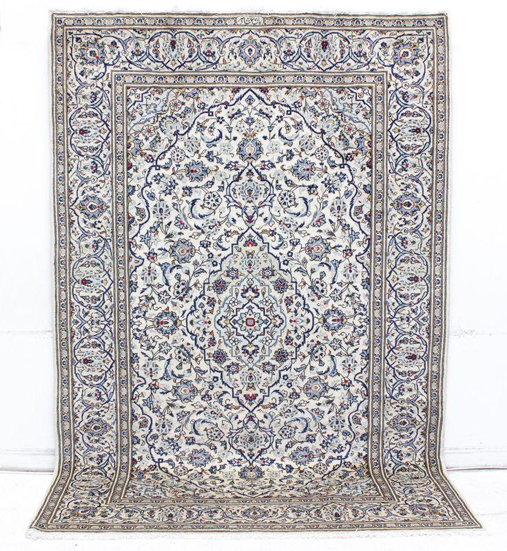 180501. MATTA, Ljus Keshan, signerad, 295 x 197 cm. 22 aug 2014 7500kr (utrop 8000kr)