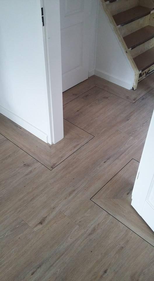 Een PVC vloer met een biesje erin verwerkt. De mogelijkheden zijn zeer uitgebreid met PVC!