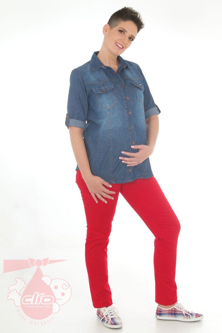 Un estilo de #ropa #materna algo formal, puede inclusive ser apropiado como #look para la #oficina