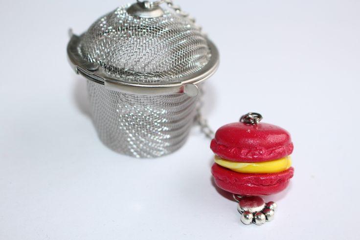 Filtre à thé, macaron framboise citron, petite marmite : Cuisine et service de table par ludifimo