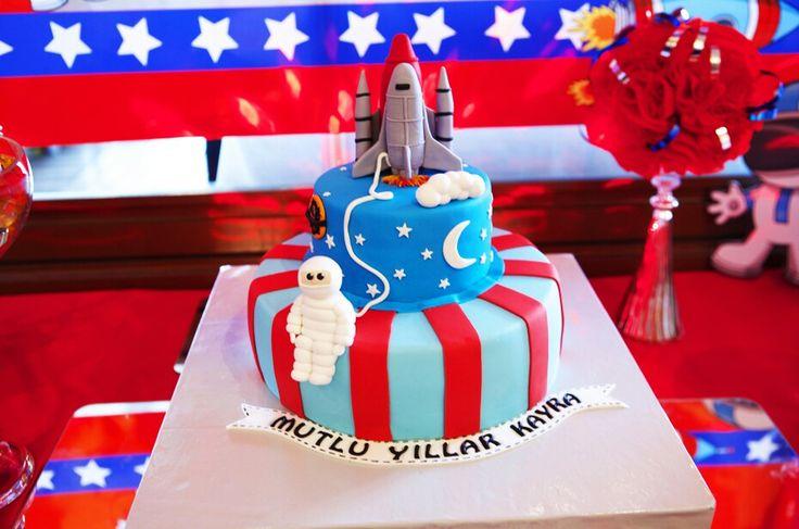 Astronot temalı Doğumgünü pastası