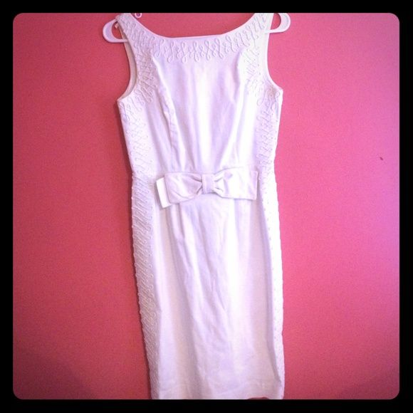 Lilly Pulitzer white dress Lilly Pulitzer white dress. Size 0 but could easily fit a 2. In great condition! Lilly Pulitzer Dresses