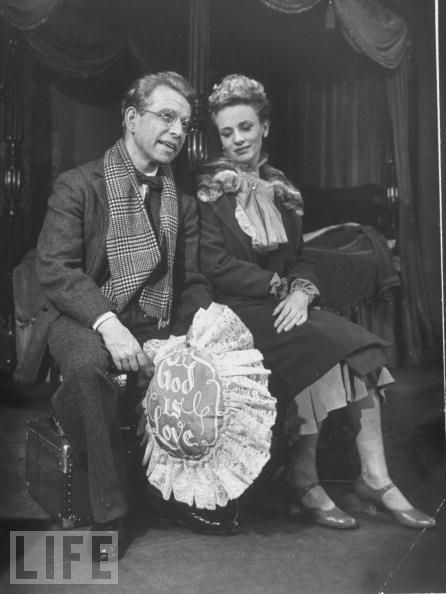 Hume Cronyn and Jessica Tandy in 1952