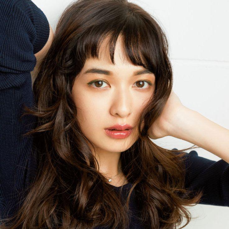 女っぽくて知的になれる♡あずきリップ×太眉で差がつくメイク | VOCE 2016年4月号|iQON