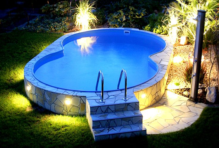 pool gartenpool abends am eigenen pool entspannen so kann das aussehen mini pool. Black Bedroom Furniture Sets. Home Design Ideas
