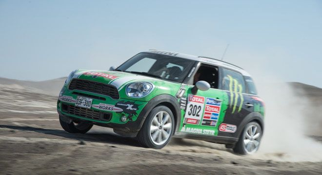 MINI ALL4 Racing Juara Rally Dakar