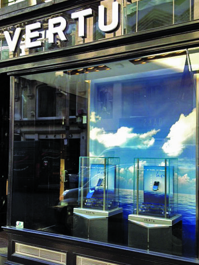 Vertu Constellation Blue window. Elemental Design captured the essence of the inspiration for the handset and reflected this in the backdrop and display cases.