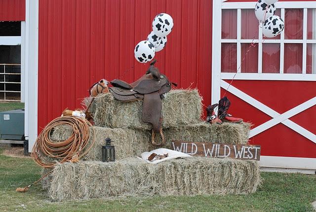 cowboy decor - love the cow balloons!