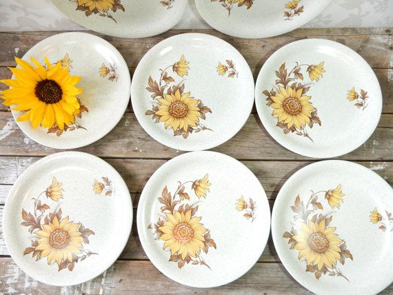 Dinner Plate set of 8 Ironstone Sunflower by littlecleoathome