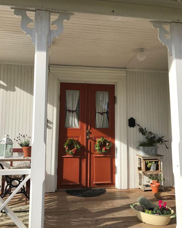 """66 gilla-markeringar, 3 kommentarer - Lizelotte Vesterlund (@lizze_westerlund) på Instagram: """"Har pysslat ihop två höstkransar till ytterdörren. Men i dag känns det mer som sommar än höst.…"""""""