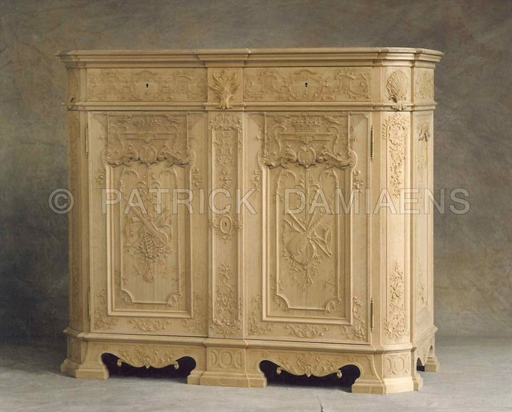 Hand-carved and custom-made liège style furniture. Reproduction of period European style classical replica. Traditional Fine woodcarving  http://www.patrickdamiaens.be