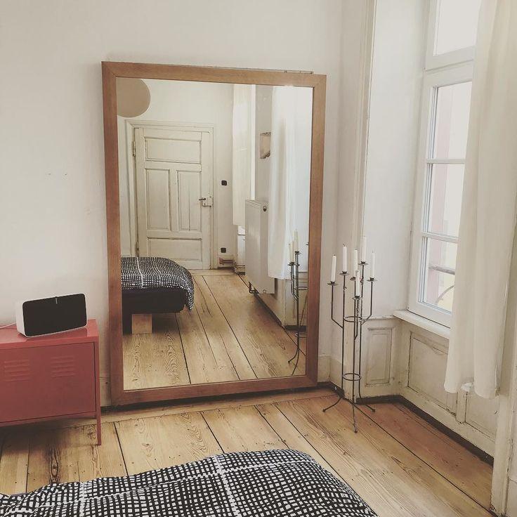 New Mirror. #oakwood #mirror #interior #interiordesign #woodwork #sonos #candleholder #ikea #hb57 #mainz de moritzvalentinfrank