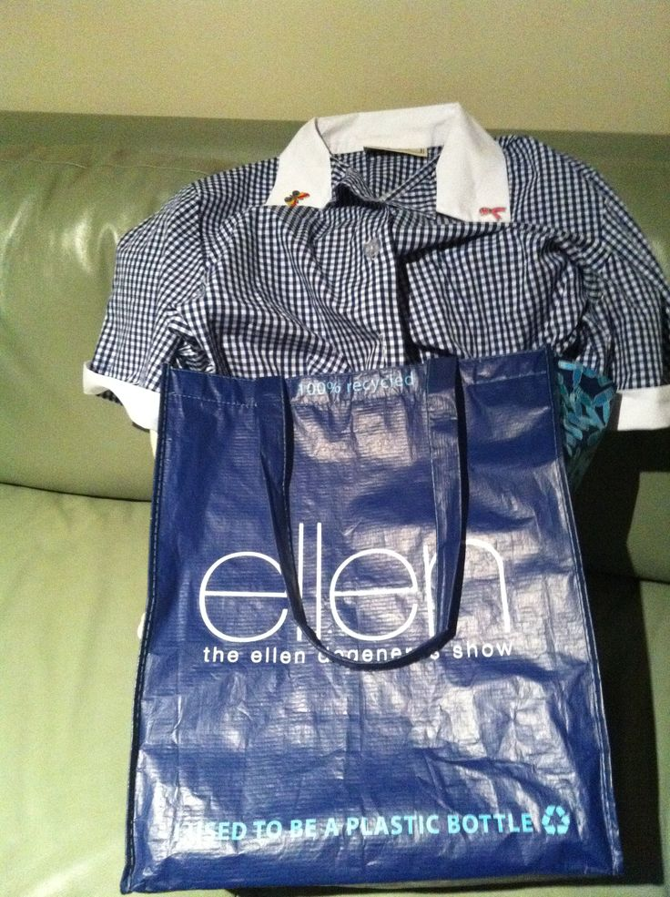Whats in the bag ellen?!! Something for Halloween?!! #bagthatellen