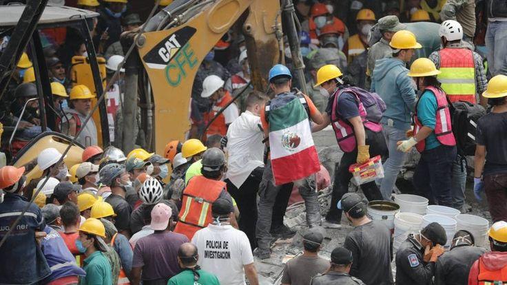 Más de 300 muertos en terremoto de México http://www.hoyesnoticiaenlaguajira.com/2017/09/mas-de-300-muertos-en-terremoto-de.html