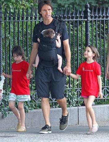 What a great dad! Phoenix Suns basketball star Steve Nash.