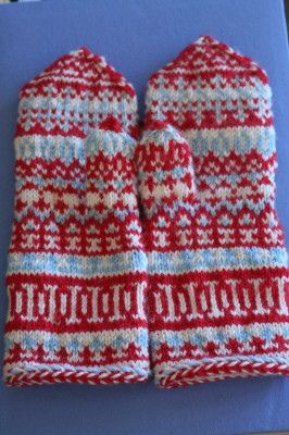 19-12-11 Mittens from Lapland.