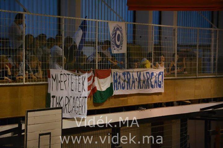 Kitettek magukért az Ultrák Karcagon - NBII-es kézilabda mérkőzést játszott otthon a Karcag SE (Fényképekkel)