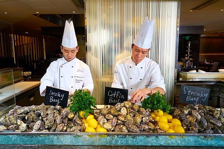 Oysters from Coffin Bay, Smoky Bay, and Streaky of South Australia at Café on M, InterContinental Grand Stanford in Hong Kong.