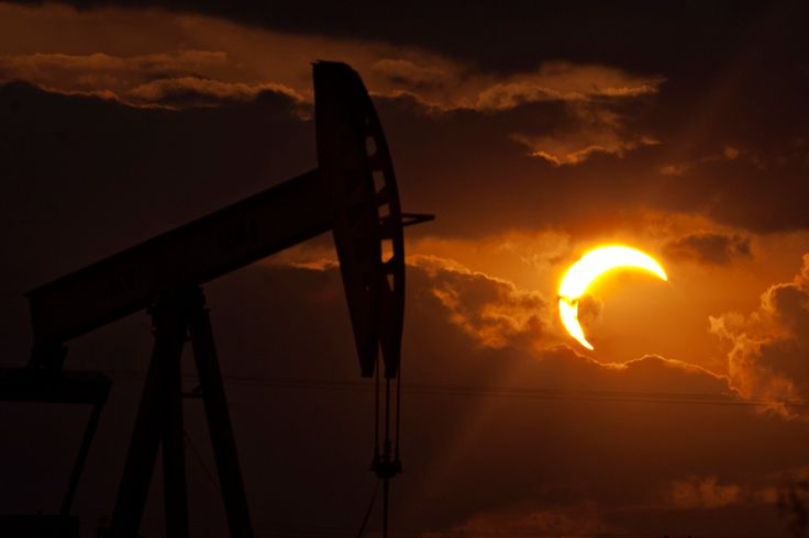 An annular eclipse appears, May 20, 2012, north of Odessa, Texas. (Albert Cesare/Odessa American) #