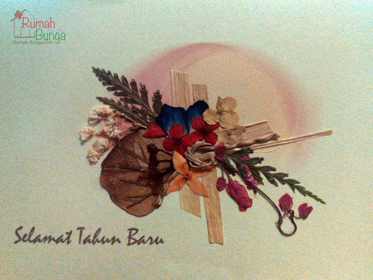 Kartu Tahun Baru berhiaskan bunga kering yang dipres (flower pressed card) dari www.rumah-bunga.com