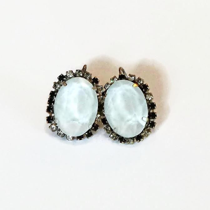 Swarovski Crystal 18X13mm oval fancy stone leverback earrings grey powder #Swarovski