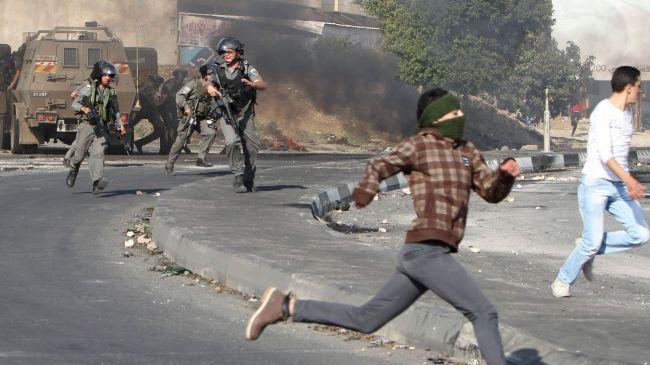 Las fuerzas israelíes detienen a decenas de palestinos - Minuto A Minuto