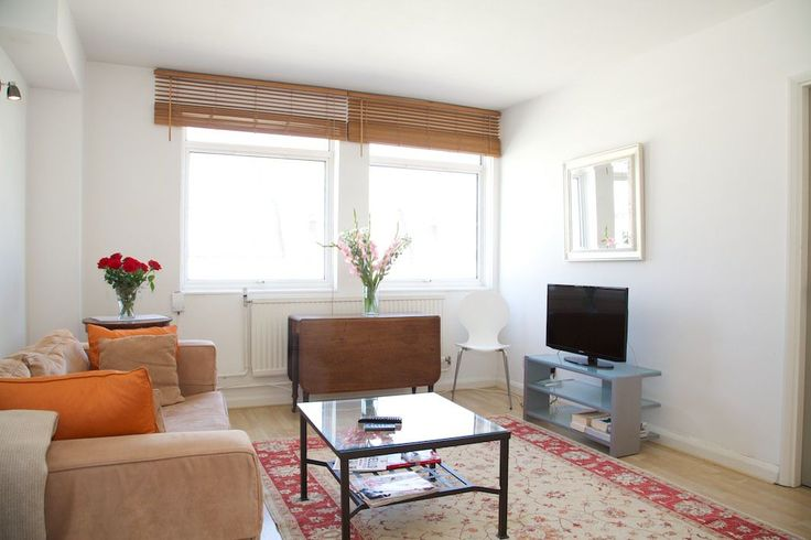 Comfy with a casual elegance 1 bedroom flat near Fulham Road | A Place Like Home