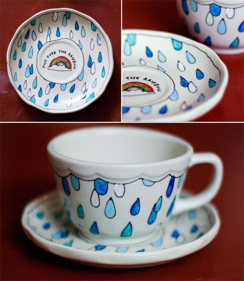 Can't say that I like this for a mug, but I want to remember this cloud and rain drops design.  I could see this appliqued onto a pillow in muted grays and blues with a white cloud framing the top.