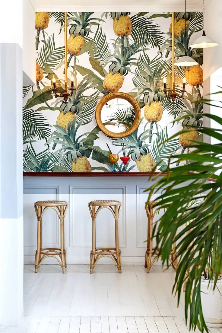 Balearic bliss and retro-tropical aesthetics inform a beach-side restaurant in affluent Cape Town suburb...