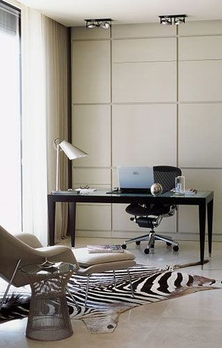 Nice calm office layout by POWELL & BONNELL