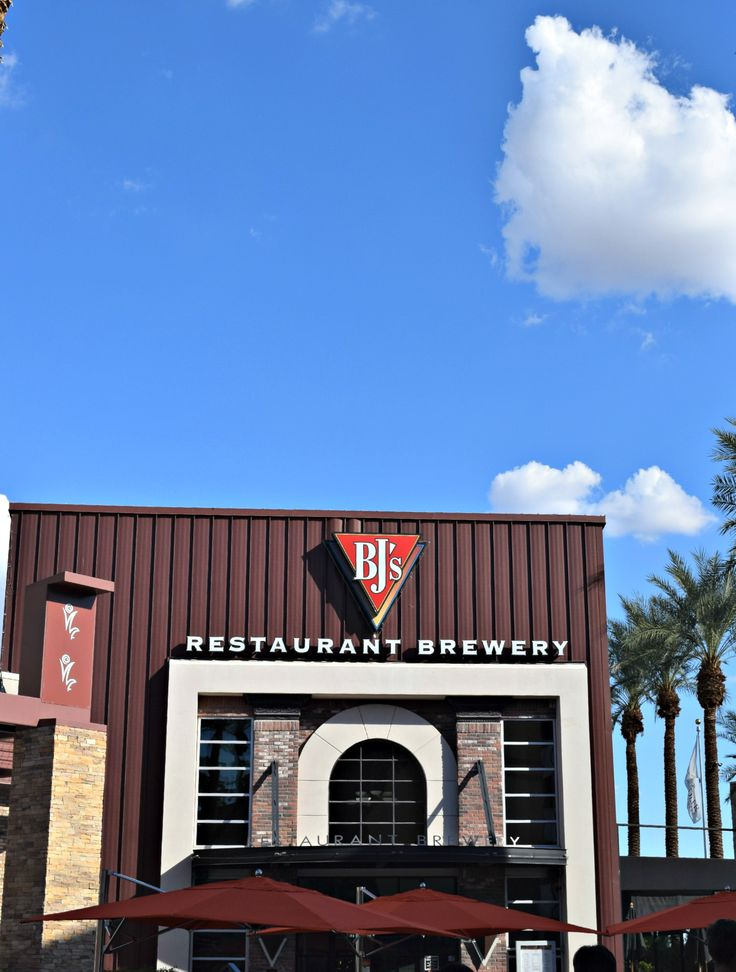 BJu0027s Restaurant and Brewing Co at the