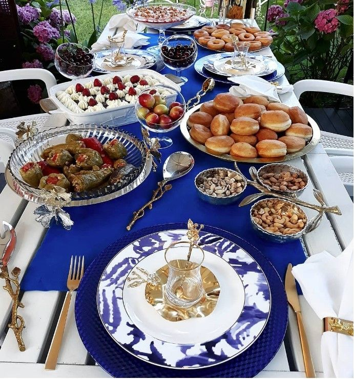 Pin By Omi Imo On أكل شهي Foods Table Settings Table Settings