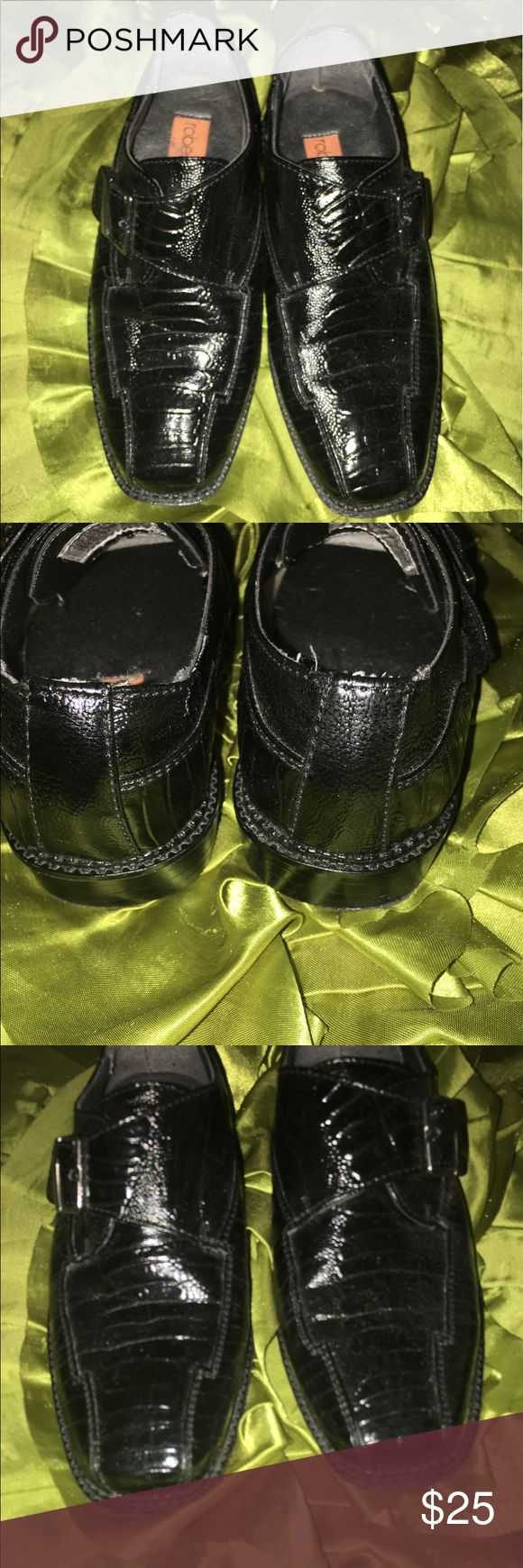 Robert David boys Dress Shoes sz 11 velcro closure Smoke free home and worn once when we forgot his normal shoes on an out of town visit. VVGUC velcro closure, easy on and easy off. Robert David Shoes Dress Shoes