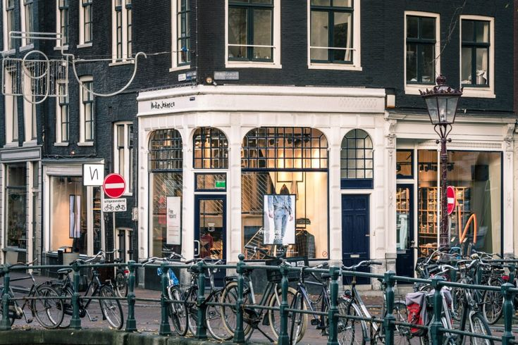 In the middle of Amsterdam's iconic Negen Straatjes, next to the Herengracht Canal, the Nudie Jeans Repair Shop has opened a flagship store. The...