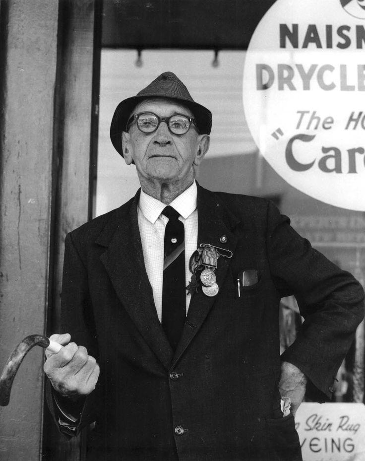 ANZAC Day Veteran, Devonport, Auckland (1973)
