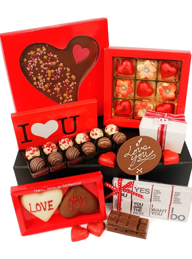 Our Liasons Chocolate Hamper makes a great Valentine's gift www.eden4hampers.co.uk