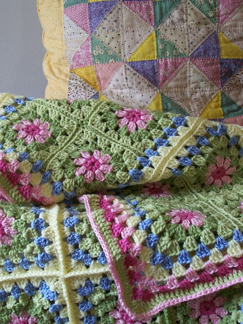 Ravelry: SissyWoo's Lola's blanket - Summer Garden Granny Squares pattern by Attic 24 - great colours
