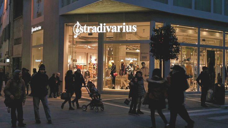 Stradivarius e il palazzo dell'ex Banca Toscana