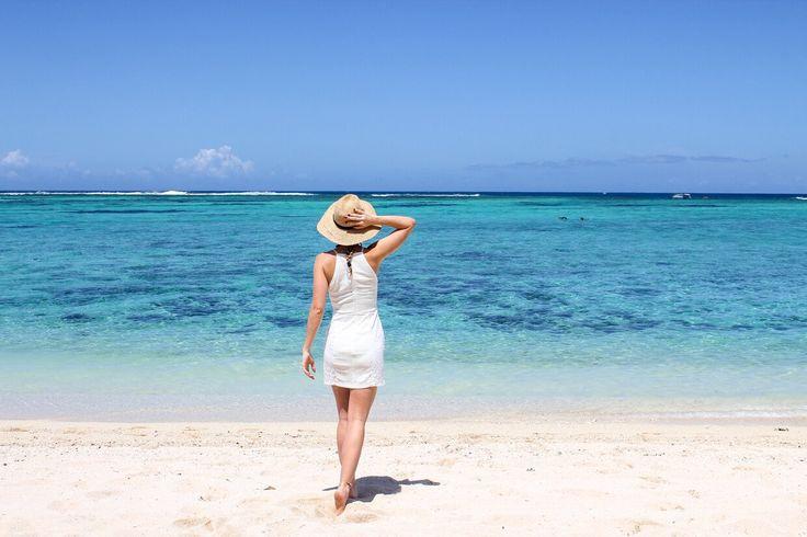 Reise Mauritius schönster Strand Meer Outfit Travel around the world