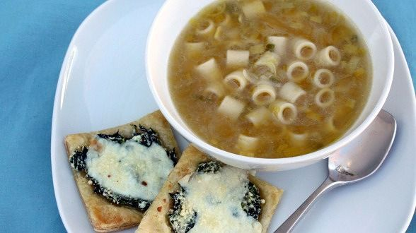 Green Onions and Rings Soup with Mini White Pizzettes