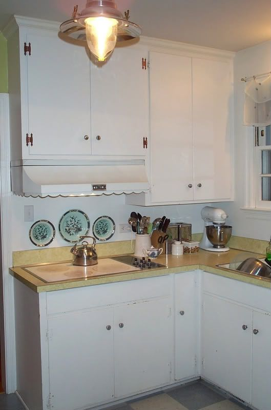 Creative Ways To Update Old 1950 S Plywood Cabinets With