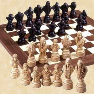 Studio Anne Carlton Lord Of The Rings Chess Set