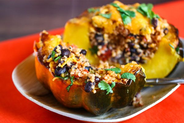 vegetarian stuffed squashHealthy Meals, Amazing Recipe, Brown Rice, Stuffed Acorn Squashes, Healthy Acorn Squashes Recipe, Stuffed Squashes, Food Blog, Dinner Ideas, Weights Loss