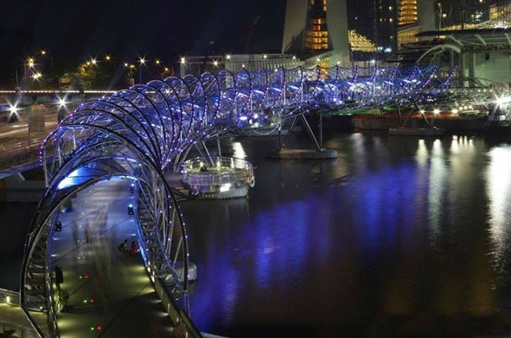 The design and lighting of Helix Bridge, Singapore is bound to startle you on the first visit. #TravelHot